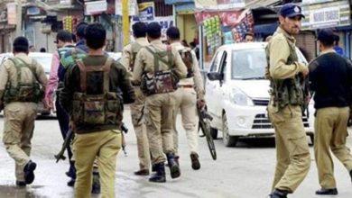 Photo of سری نگر کے بتہ مالو میں تصادم جاری، ایک ایس او جی اہلکار ہلاک، 3 دیگر زخمی
