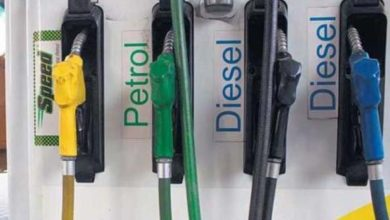 Photo of تیل کی قیمتوں میں اضافے کا سلسلہ جاری، پیٹرول 14 پیسہ جبکہ ڈیزل 11 پیسہ مہنگا