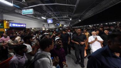 Photo of مودی نے وارانسی میں ریلوے اسٹیشن کا اچانک معائنہ کرکے لوگوں کو چونکایا