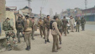 Photo of پلوامہ میں جنگجوؤں کے حملے میں سی آر پی ایف اہلکار زخمی