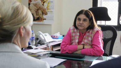 Photo of فیس بک پر ناشائستہ مناظر کو روکنے کےلئے مینکا گاندھی نے حکام سے ملاقات کی