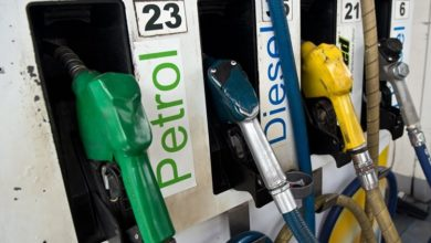 Photo of پٹرول-ڈیزل کی قیمتوں میں گراوٹ جاری، پٹرول 40پیسے جبکہ ڈیزل 33 پیسے سستا