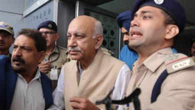 Photo of ایم جے اکبر کی وطن واپسی، جنسی استحصال کے الزامات پر بولے 'بعد میں دونگا جواب'