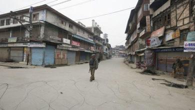 Photo of کشمیر: جنگجوؤں اور شہری کی ہلاکت کے خلاف مکمل ہڑتال