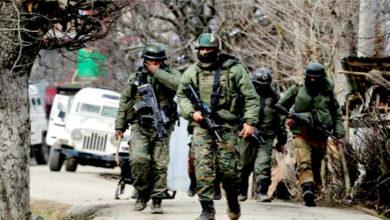 Photo of وسطی کشمیر کے بڈگام میں مسلح تصادم میں 2 جنگجو ہلاک، انٹرنیٹ خدمات معطل