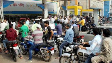Photo of لاہور: بغیر ہیلمٹ موٹرسائکل سوار کو پٹرول نہیں ملے گا