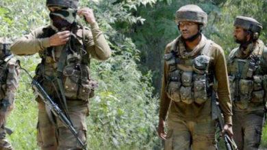 Photo of پلوامہ میں خونریز مسلح تصادم : 3 جنگجو، 7عام شہری اور ایک فوجی ہلاک