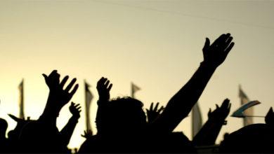 Photo of جموں و کشمیر: محکمہ بجلی کےعارضی ملازمین کا انوکھا احتجاج، نیم برہنہ ہوکر دیادھرنا