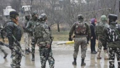 Photo of کشمیر: شوپیان میں مسلح تصادم، آئی پی ایس افسر کے بھائی سمیت 3جنگجو ہلاک