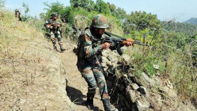 Photo of جموں و کشمیر: کولگام میں مسلح تصادم، ایک جنگجو ہلاک جبکہ ایک ڈی ایس پی جاں بحق