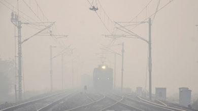 Photo of دہلی میں دھند کی چادر، ٹرین اور ہوائی جہاز کی سروس متاثر