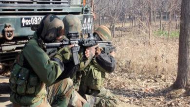 Photo of جموں وکشمیر: کولگام میں جاری مسلح تصادم میں 3 جنگجو ہلاک
