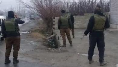 Photo of پلوامہ میں فائرنگ، افسر سمیت 4 فوجی اہلکار اور ایک عام شہری جاں بحق