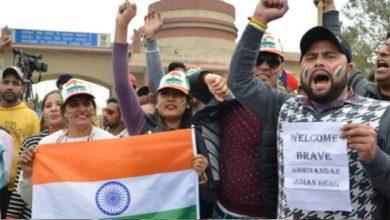 Photo of پاکستان نے کیا ابھینندن کو ہندوستانی حکام کے سپرد، واگھہ بارڈر پر جشن کا ماحول
