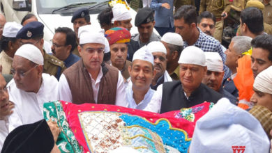 Photo of راہل گاندھی کی طرف سے سلطان ہند خواجہ غریب نواز ؒ کے دربار میں چادر پیش