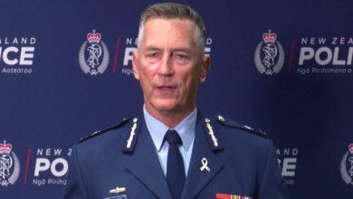 Photo of نیوزی لینڈ حملہ: حراست میں لئے گئے تین افراد کا حملے سے کوئی تعلق نہیں: پولیس
