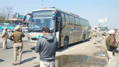 Photo of دہلی-لاہور 'صدائے سرحد' بس میں آئی خرابی، 15 منٹ کی تاخیر سے روانہ