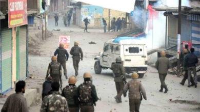 Photo of کولگام میں سیکورٹی فورسز اور احتجاجیوں کے درمیان جھڑپیں، چار نوجوان زخمی