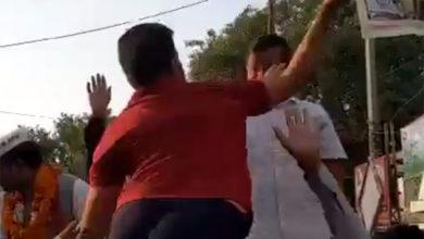 Photo of ویڈیو: روڈ شو کے دوران سی ایم اروند کیجریوال کو نوجوان نے جڑا تھپّڑ