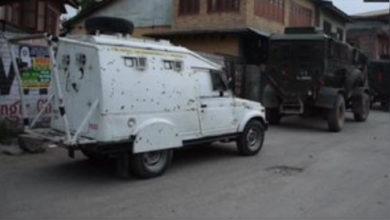 Photo of پلوامہ تصادم میں 3 جنگجو اور ایک فوجی ہلاک، تین دیگر زخمی