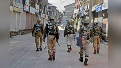 Photo of کشمیر میں 25 دن بعد بھی حالات معمول پر نہیں