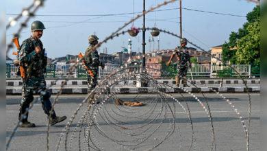 Photo of کشمیر: بند کا 33 واں دن، بڈگام کی طرف جانے والی سڑکیں سیل