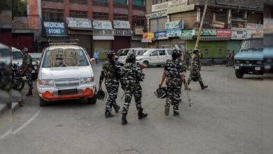 Photo of کشمیر: بند کا 34 واں دن، موبائل فون و انٹرنیٹ خدمات پر پابندی جاری