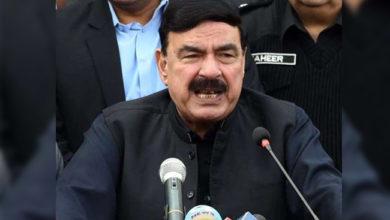 Photo of پاکستانی وزیر کا مضحکہ خیز بیان، 'ہمارے پاس 125 سے 250 گرام کے بھی ایٹم بم ہیں'