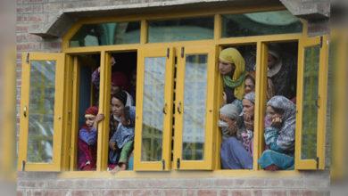 Photo of کشمیر: مواصلاتی و ریل خدمات بدستور معطل، خطرے میں طلباء کا تعلیمی مستقبل