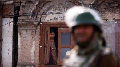 Photo of کشمیر: انٹرنیٹ کی معطلی سے طلباء کا تعلیمی مستقبل تباہی کے دہانے پر