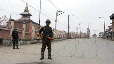 Photo of کشمیر: جامع مسجد سمیت کئی بڑی مساجد میں نماز ادا کرنے پر روک