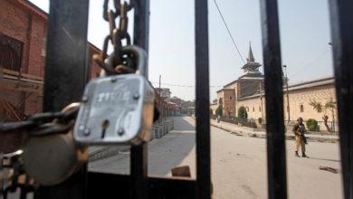 Photo of کشمیر: دسویں جمعہ کو بھی تاریخی جامع مسجد میں نماز ادا نہیں کی جاسکی