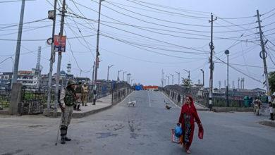 Photo of کشمیر میں زندگی اب بھی معمول پر نہیں