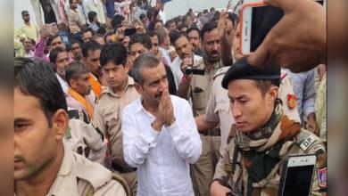 Photo of بھائی کی آخری رسومات میں پہنچے کلدیپ سنگھ سینگر، انتظامیہ الرٹ
