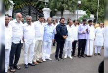 Photo of کرناٹک: 17 باغی ممبران اسمبلی نااہل قرار، لیکن لڑسکیں گے ضمنی انتخابات