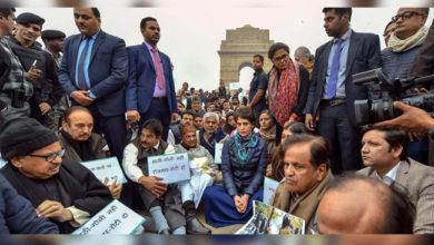 Photo of جامعہ کے طلباء کی حمایت میں اتریں پرینکا گاندھی، دھرنے پر بیٹھیں