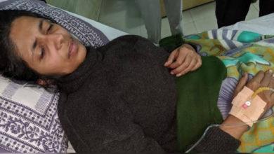 Photo of بھوک ہڑتال پر بیٹھی سواتی ہوئیں بیہوش، اسپتال میں داخل