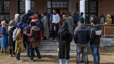 Photo of کشمیر: انٹرنیٹ معطلی کے 5 ماہ مکمل، ای کامرس ٹھپ، طلباء کا مستقبل داؤ پر