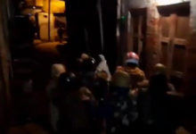 Photo of اتر پردیش: سی اے اے کے خلاف احتجاج کرنے والی خواتین پر پولس نے برسائی لاٹھیاں