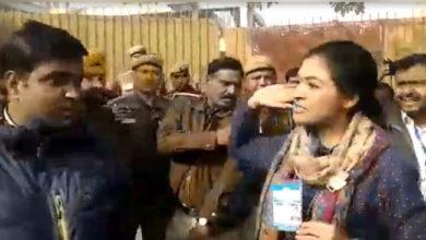 Photo of ویڈیو: 'آپ' کارکن نے کی بدسلوکی، الکالامبا نے کی تھپڑ مارنے کی کوشش