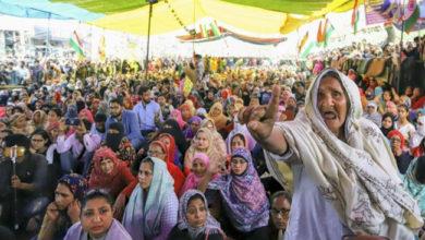 Photo of جیل بھی بھیجوائیں گے تو بھی کاغذ نہیں دکھائیں گے: شاہین باغ مظاہرین