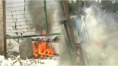 Photo of جامعہ میں پھر چلی گولی، شاہین باغ میں پٹرول بم پھینکا گیا