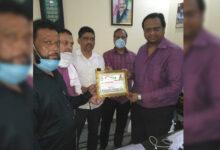 Photo of ایم ایل سی پرویز علی انجمن ادریسیہ کے ذریعے کورونہ مجاہد اعزاز سے سرفراز