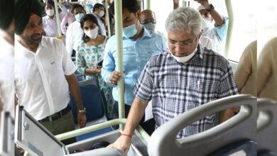 Photo of کیلاش گہلوت نے بسوں میں سکیورٹی سسٹم کا کیا معائنہ