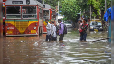 Photo of ممبئی میں طوفانی بارش کا سلسلہ جاری، ریڈ الرٹ کا اعلان