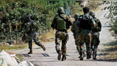 Photo of پلوامہ: مڈبھیڑ میں تین جنگجو ہلاک، ایک شہری زخمی