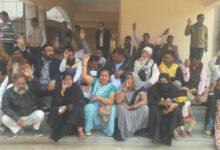 Photo of حیات نگر محکمہ توانائی پر رشوت خوری کا الزام، اہل محلہ نے کیا مظاہرہ